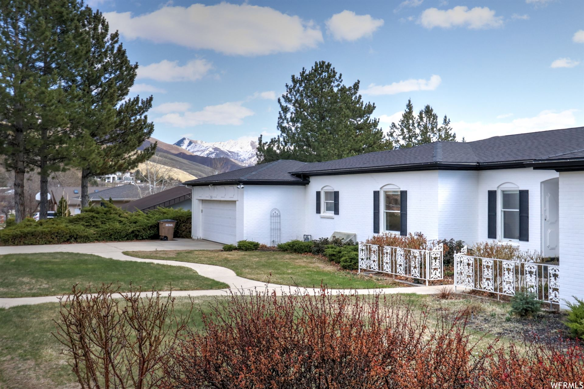 Photo of 1348 E CHANDLER N DR, Salt Lake City, UT 84103 (MLS # 1734086)