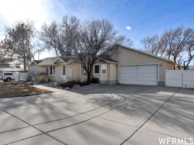 Photo of 11340 S 1300 W, South Jordan, UT 84095 (MLS # 1720113)