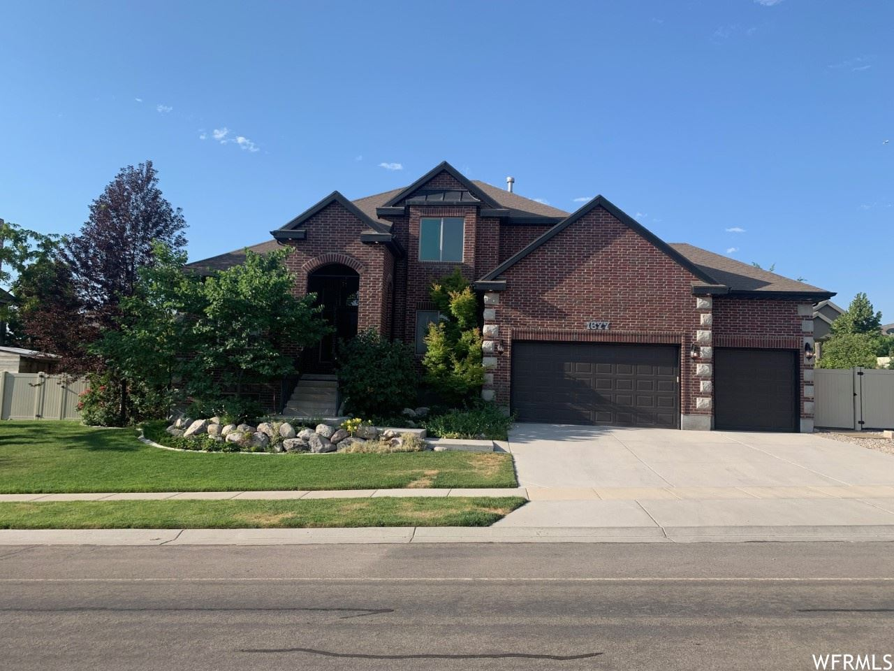Photo of 1677 W RIVER VIEW DR, Bluffdale, UT 84065 (MLS # 1754125)