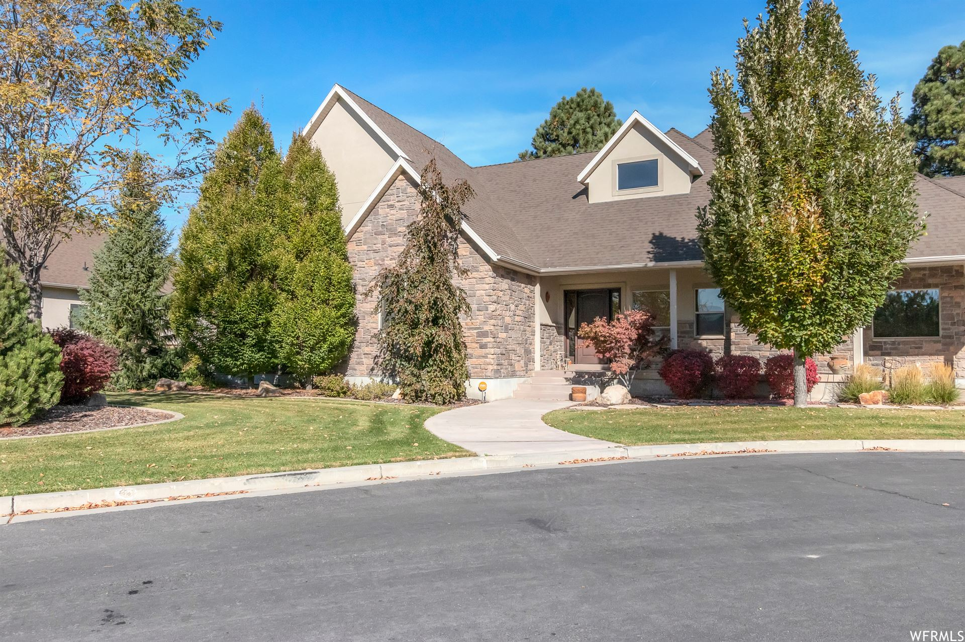 Photo of 1735 E TUSCAN RIDGE CV, Sandy, UT 84092 (MLS # 1711131)