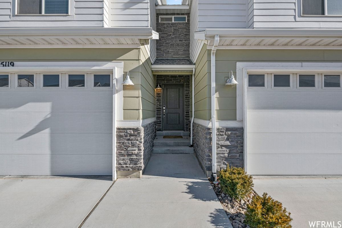 Photo of 15119 S BRIGHT STARS DR, Bluffdale, UT 84065 (MLS # 1724131)