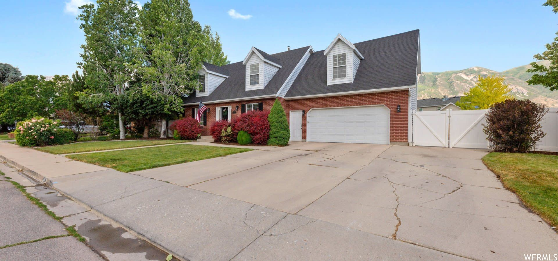 Photo of 10642 W NORTH JERLING N DR, Highland, UT 84003 (MLS # 1753137)