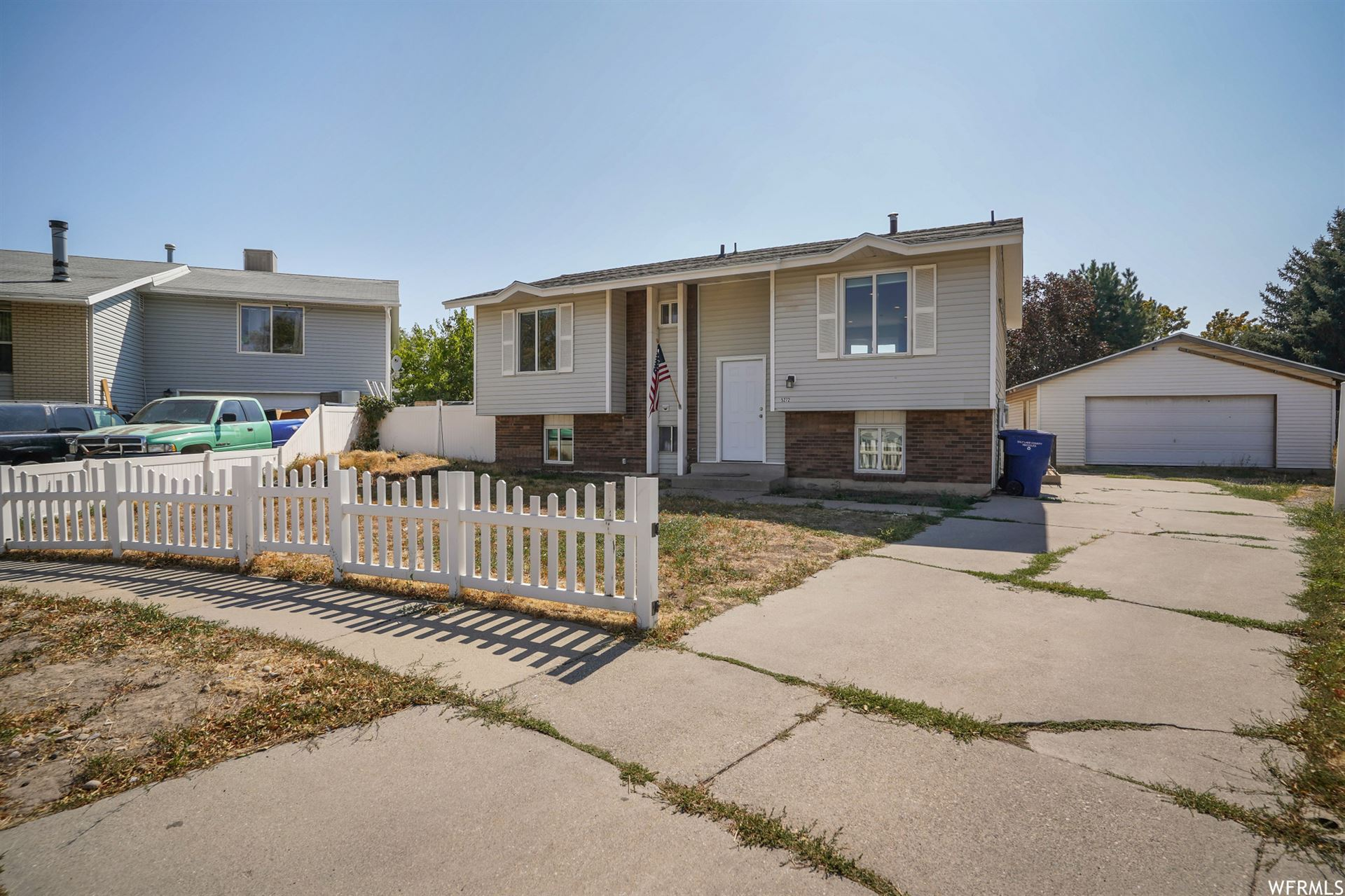 Photo of 5272 S SHAMROCK CIR, Salt Lake City, UT 84118 (MLS # 1704138)