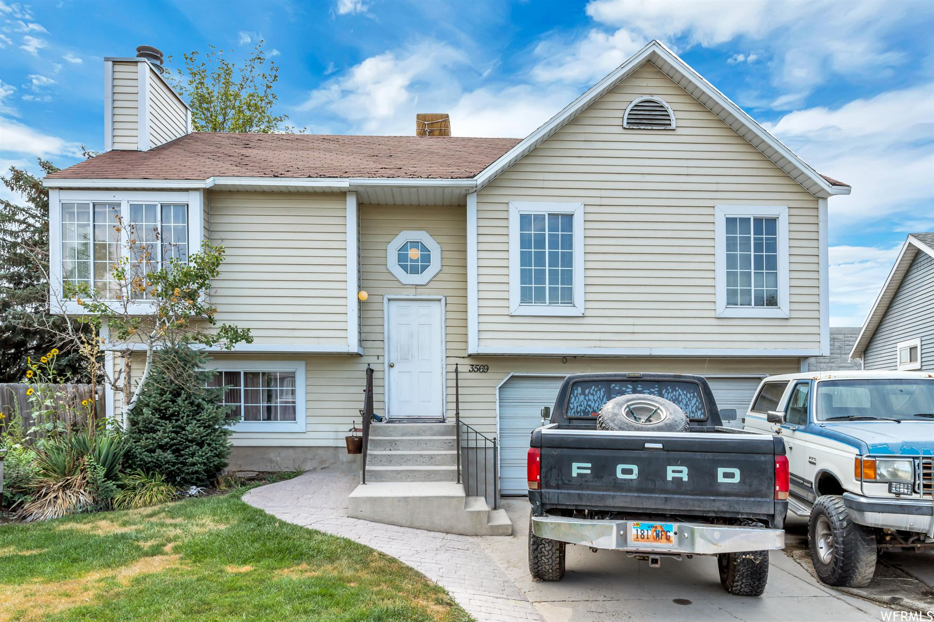 Photo of 3569 W CHISM CT, Taylorsville, UT 84129 (MLS # 1756154)