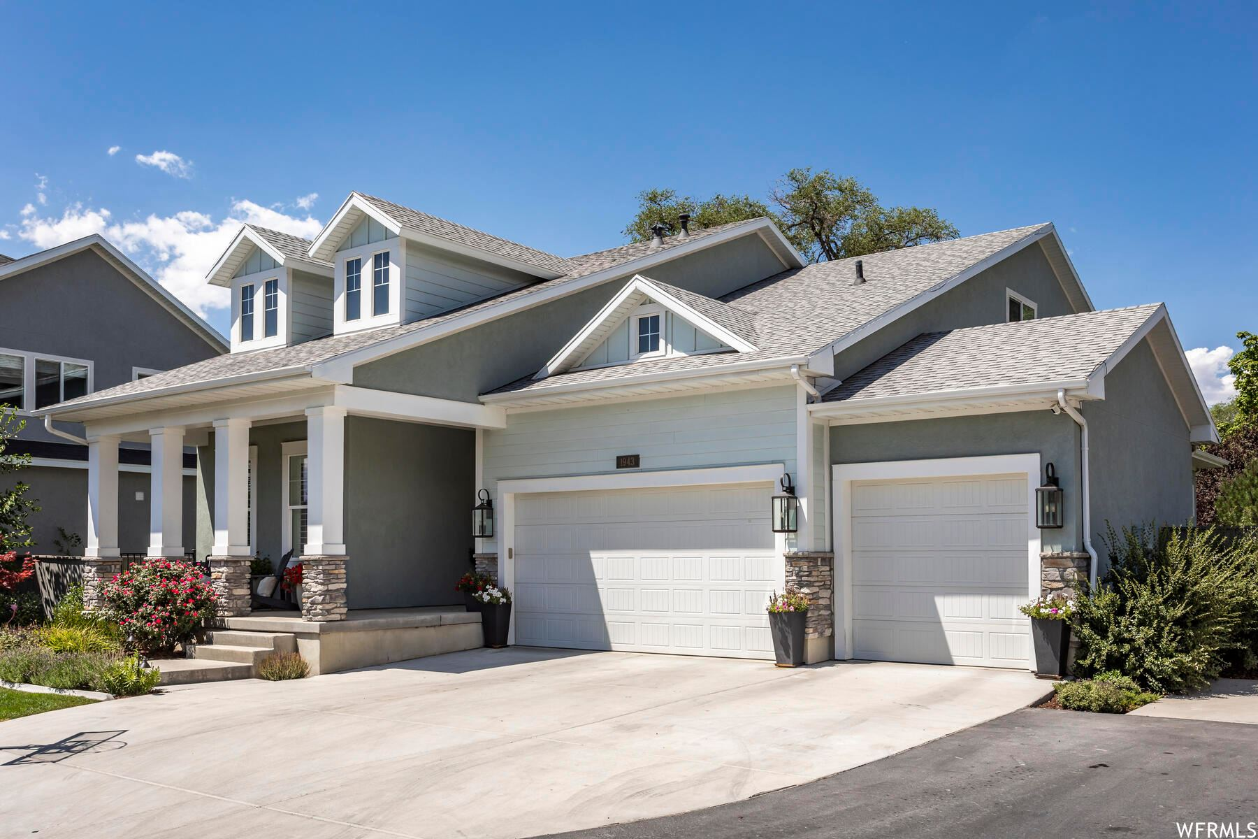 Photo of 1943 E HIGHLAND PLACE S LN, Holladay, UT 84117 (MLS # 1757157)