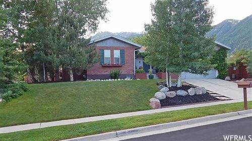 Photo of 11433 S MOUNTAIN RIDGE CIR, Sandy, UT 84092 (MLS # 1724161)