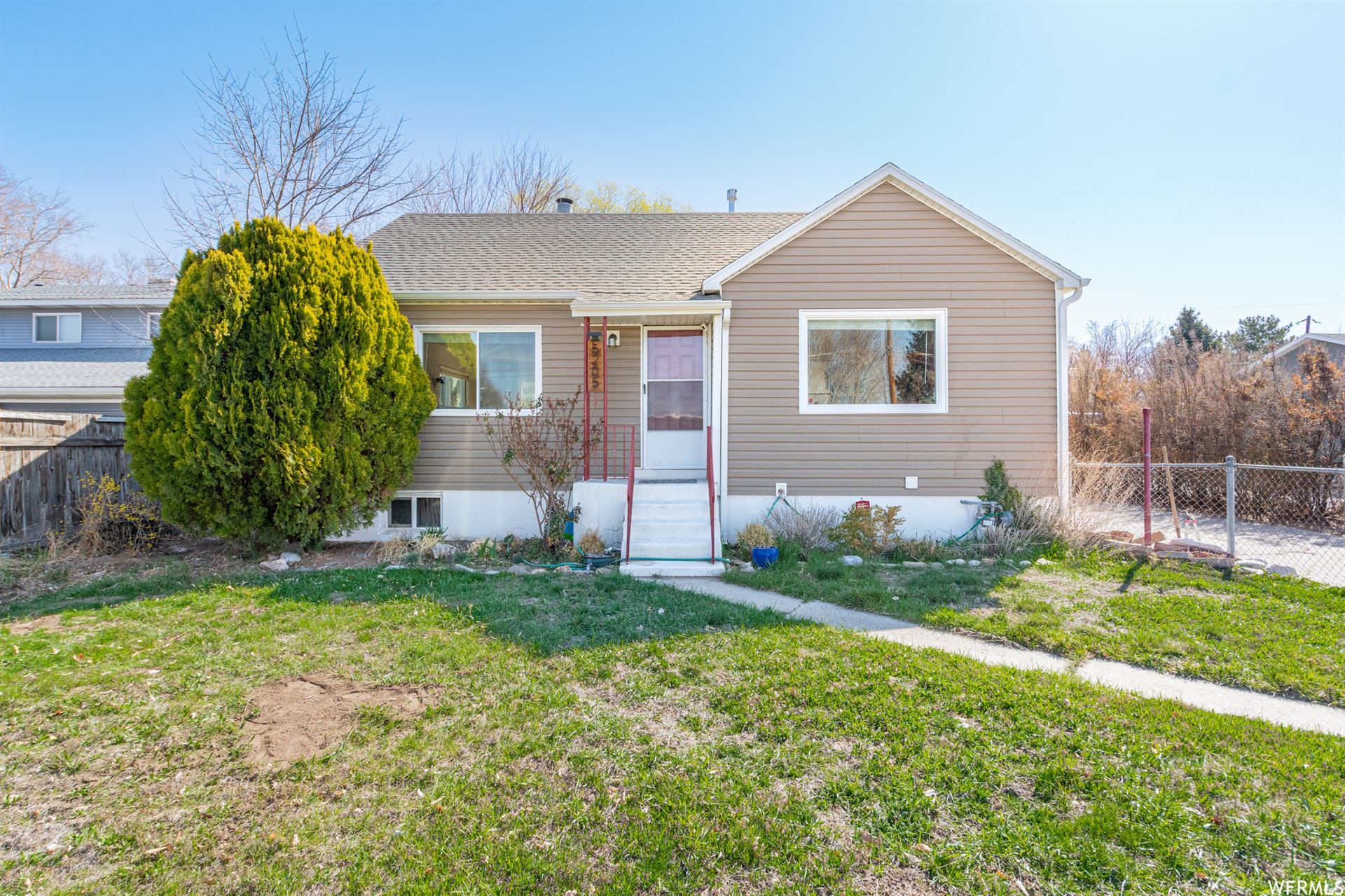Photo of 5205 S 900 E, Murray, UT 84117 (MLS # 1733188)