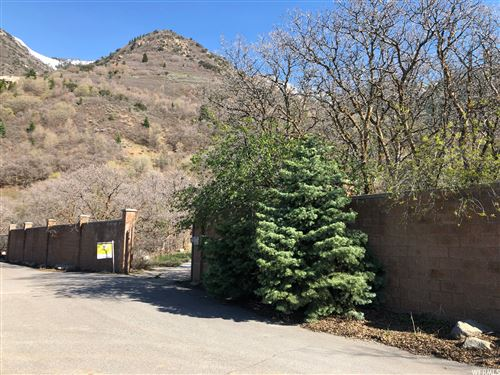 Photo of 3074 E OBERLAND RD, Sandy, UT 84092 (MLS # 1718199)