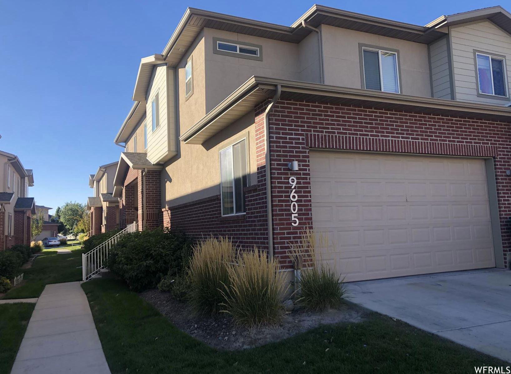 Photo of 9605 N DEERFIELD LN, Cedar Hills, UT 84062 (MLS # 1771242)