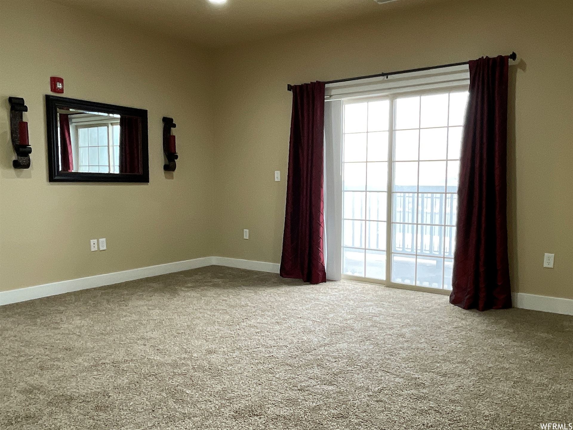 Photo of 143 W SPRING HILL N WAY, Saratoga Springs, UT 84045 (MLS # 1725259)