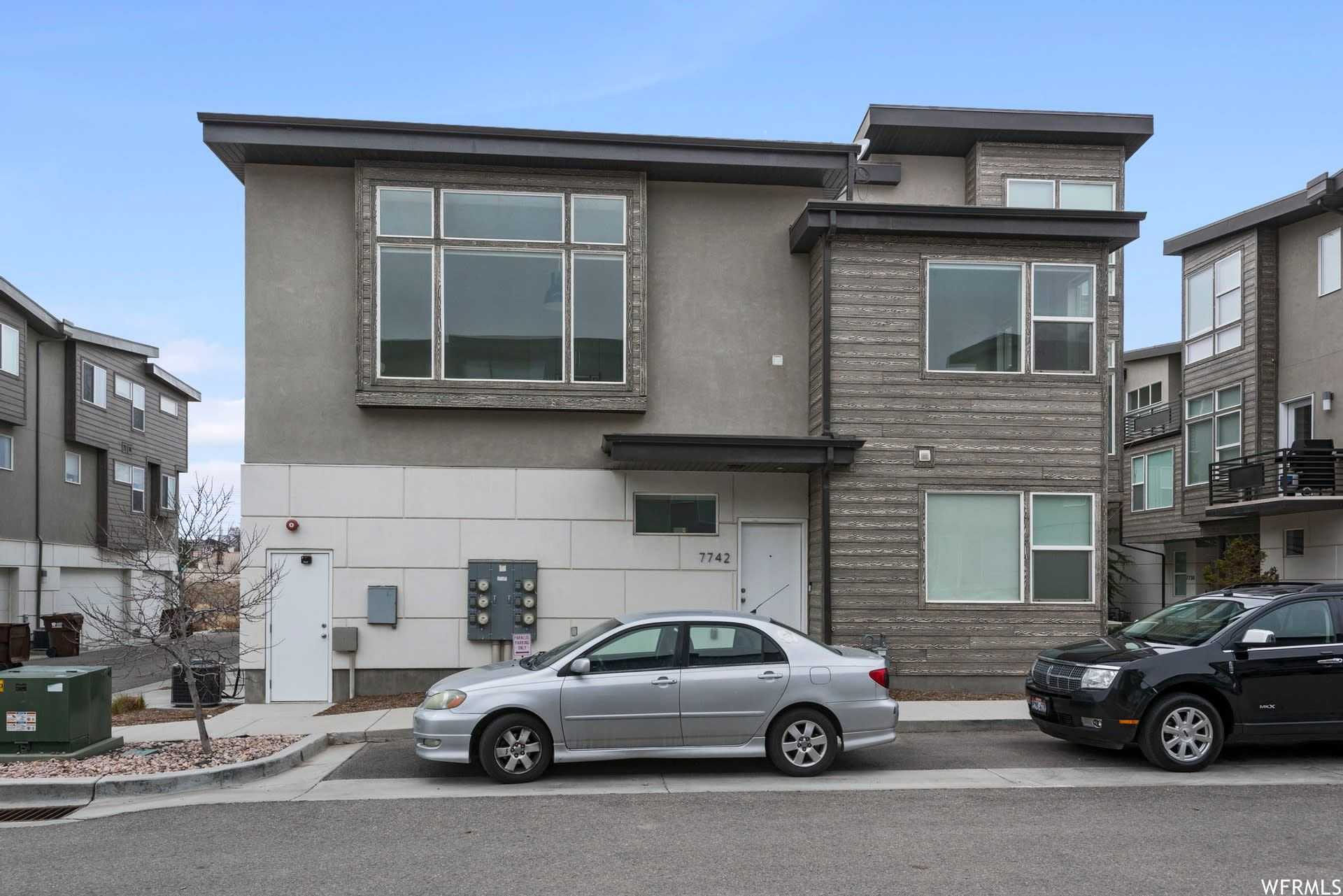 Photo of 7742 S ROOFTOP DR, Midvale, UT 84047 (MLS # 1732299)