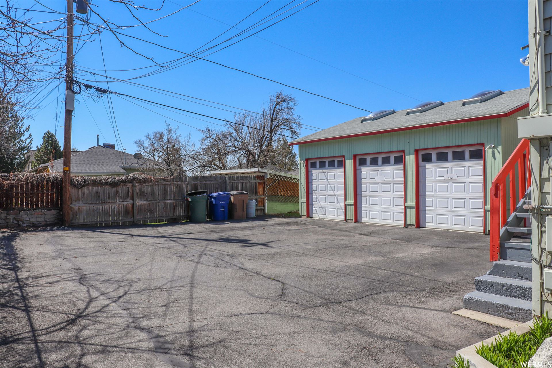 Photo of 1260 E EMERSON AVE, Salt Lake City, UT 84105 (MLS # 1734305)
