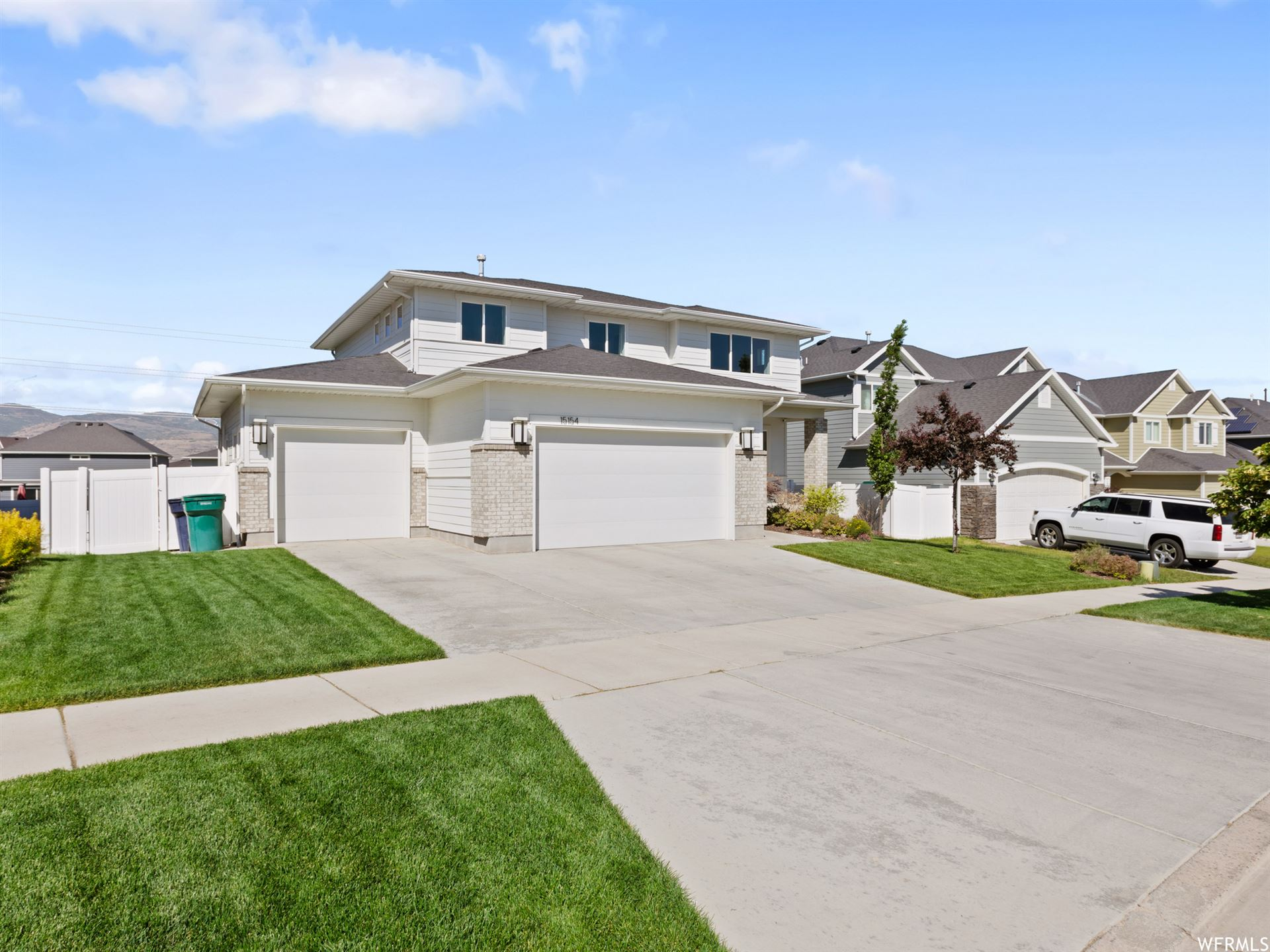 Photo of 15154 FREEDOM POINT WAY, Bluffdale, UT 84065 (MLS # 1749307)