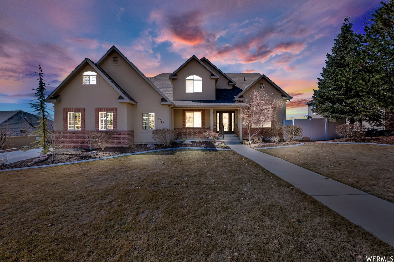 Photo of 9283 N CANYON HEIGHTS W DR, Cedar Hills, UT 84062 (MLS # 1728316)