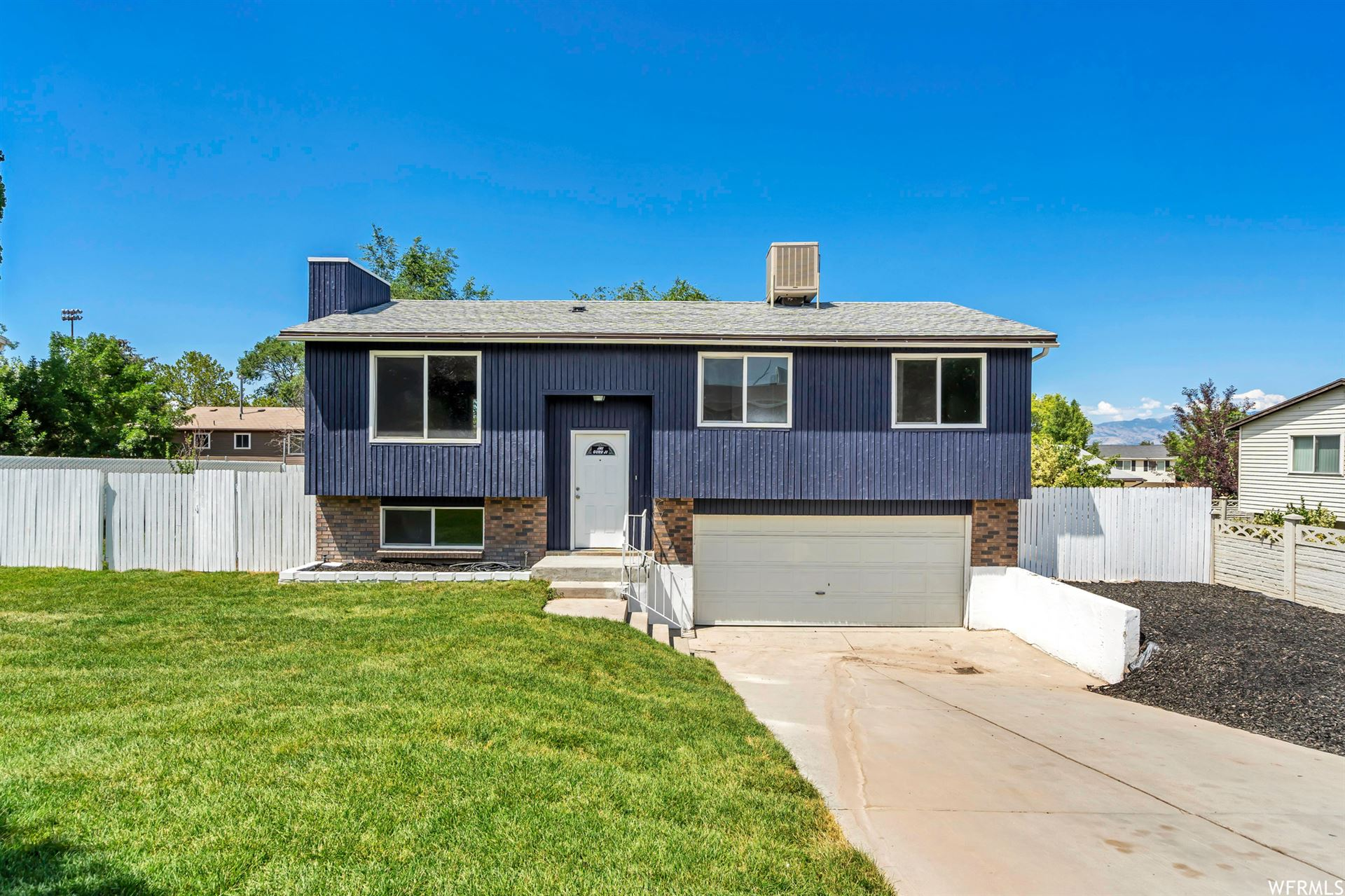 Photo of 3866 SQUIRE CREST DR., Taylorsville, UT 84129 (MLS # 1754321)