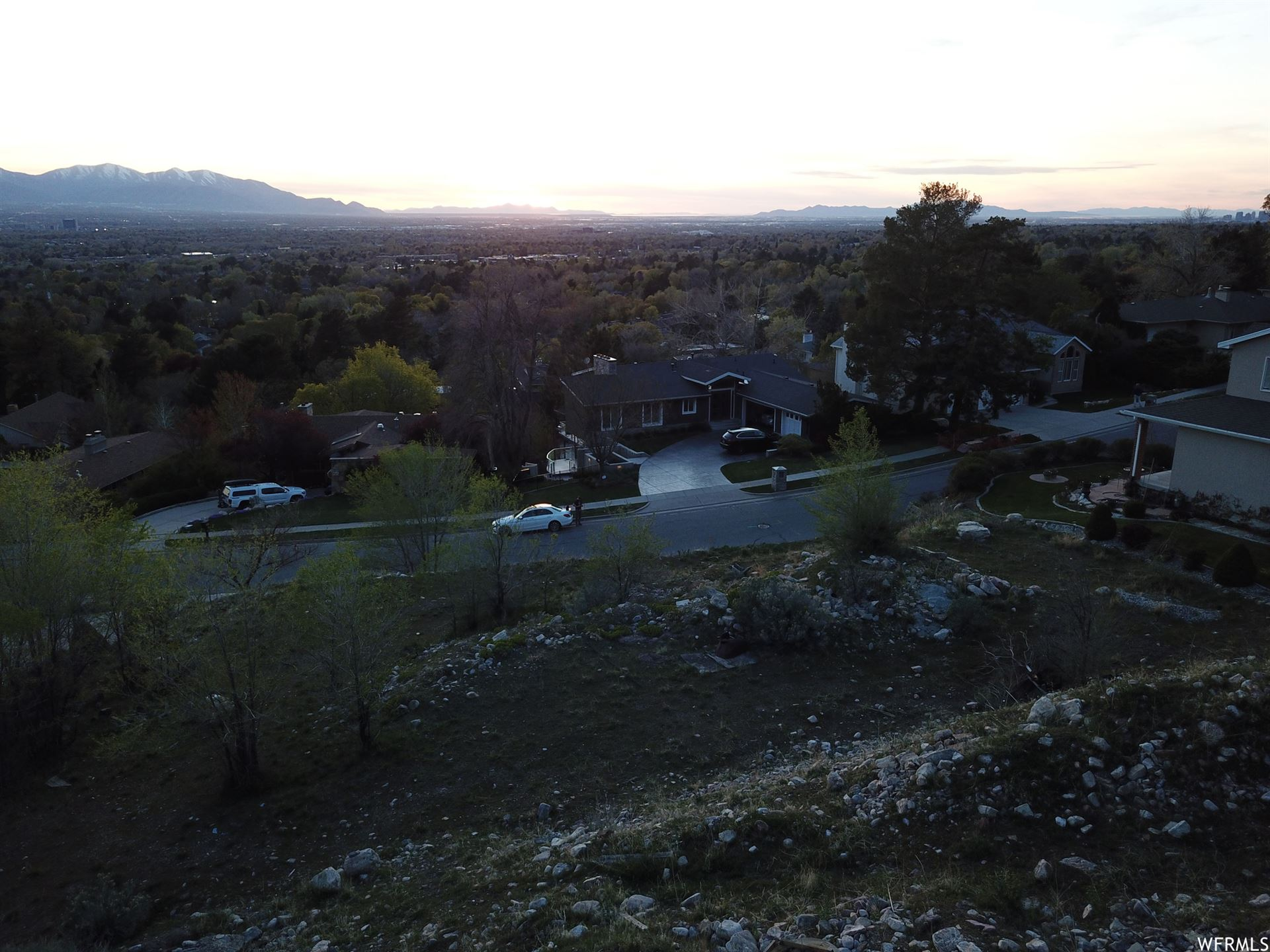 Photo of 4865 S WALLACE E LN, Holladay, UT 84117 (MLS # 1739324)