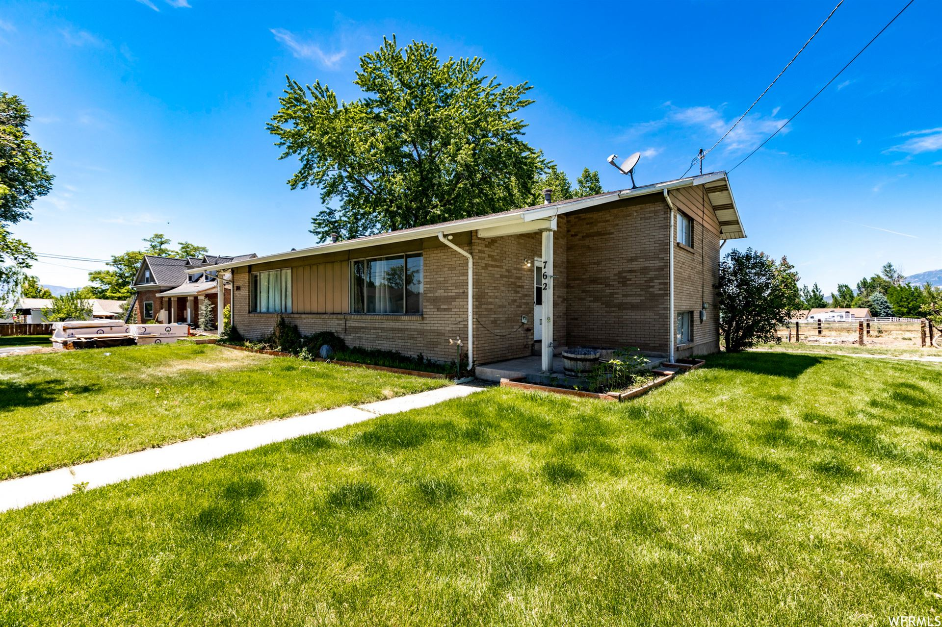 Photo of 762 W LAKEVIEW RD, Lindon, UT 84042 (MLS # 1748333)