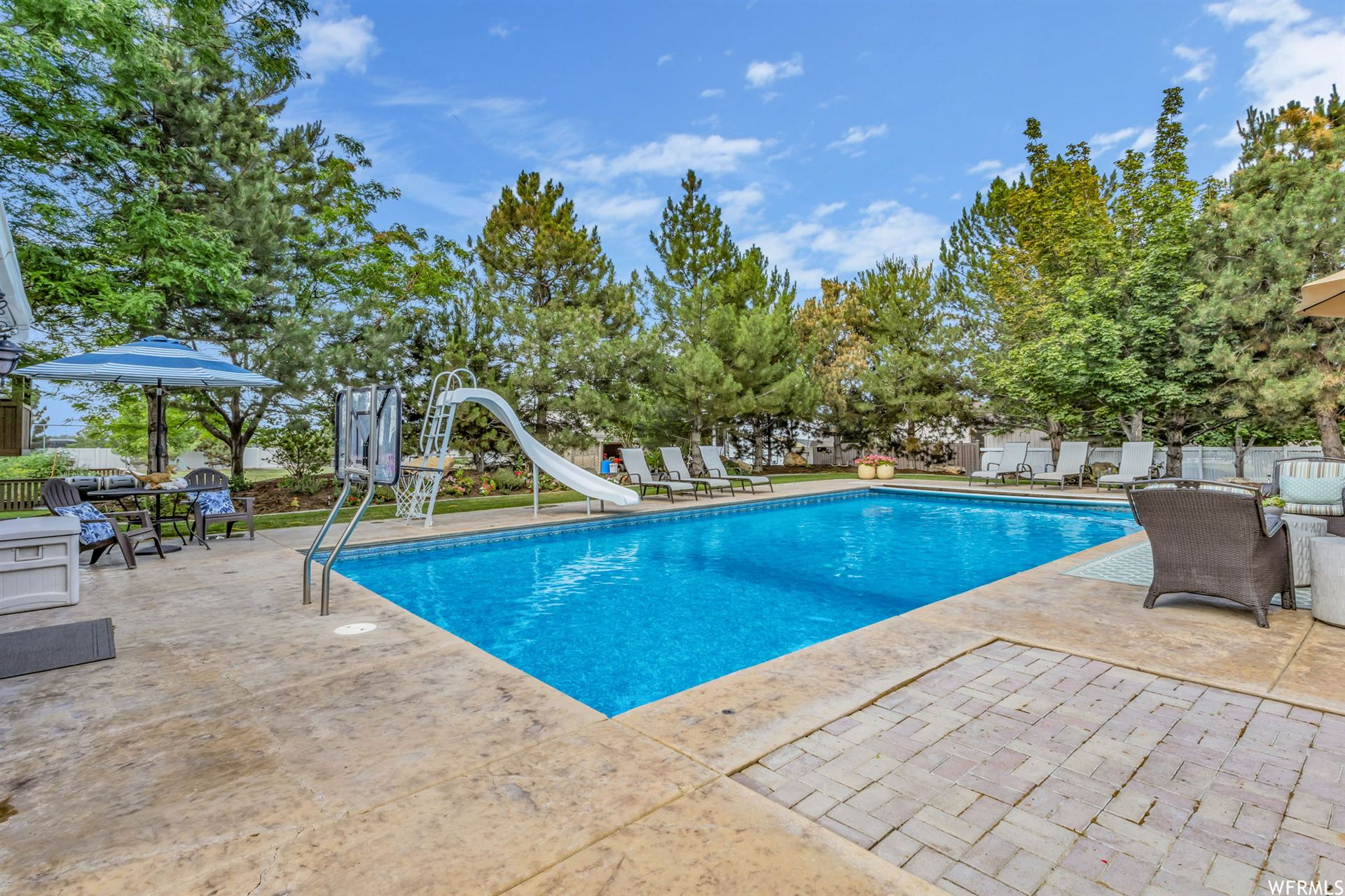 Photo of 2768 W COUNTRY CLASSIC DR, Bluffdale, UT 84065 (MLS # 1751343)