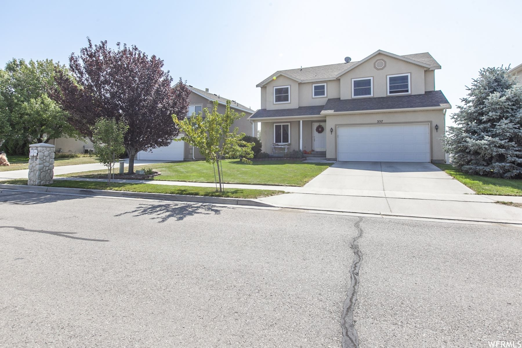 Photo of 357 W LAKEVIEW S DR, Lehi, UT 84043 (MLS # 1769352)