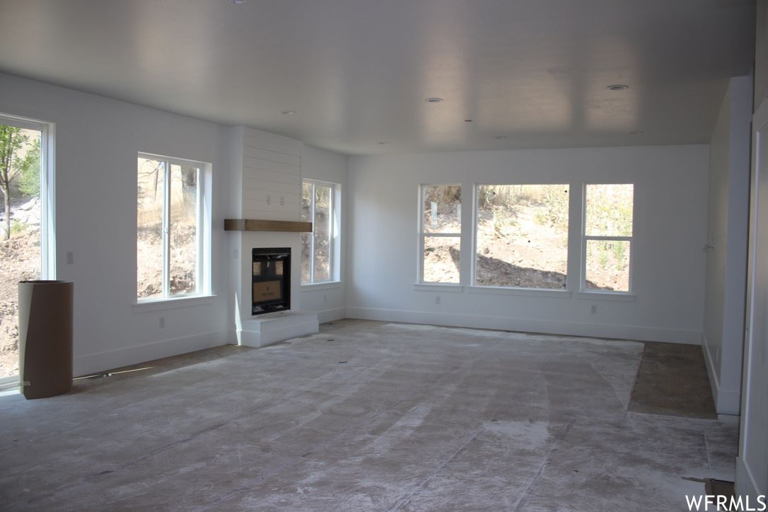 Photo of 271 N QUEENSLAND CT, Lindon, UT 84042 (MLS # 1671355)
