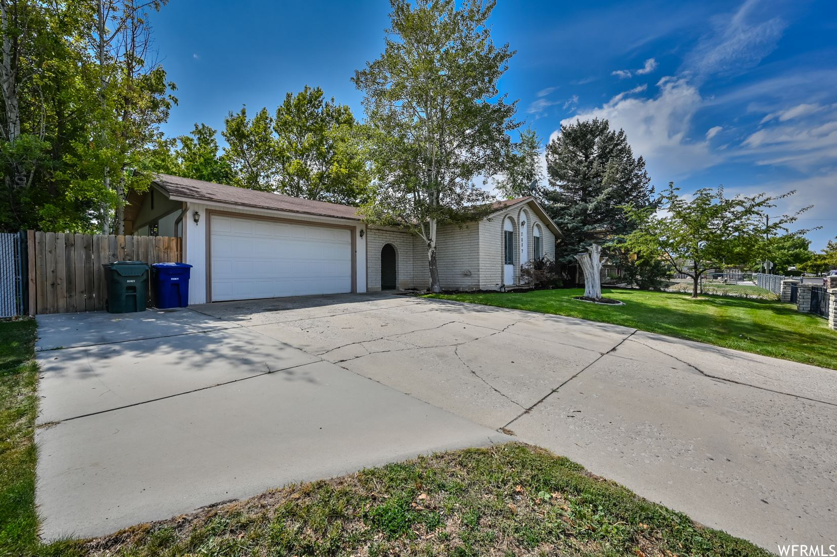 Photo of 2887 W WHITEHALL S DR, West Valley City, UT 84119 (MLS # 1770360)