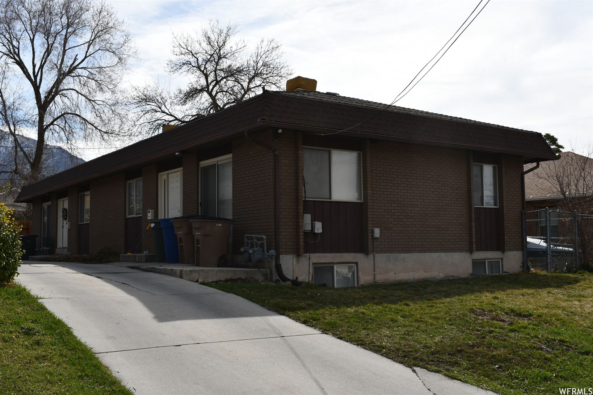Photo of 2717 S CONNOR ST, Salt Lake City, UT 84109 (MLS # 1730388)