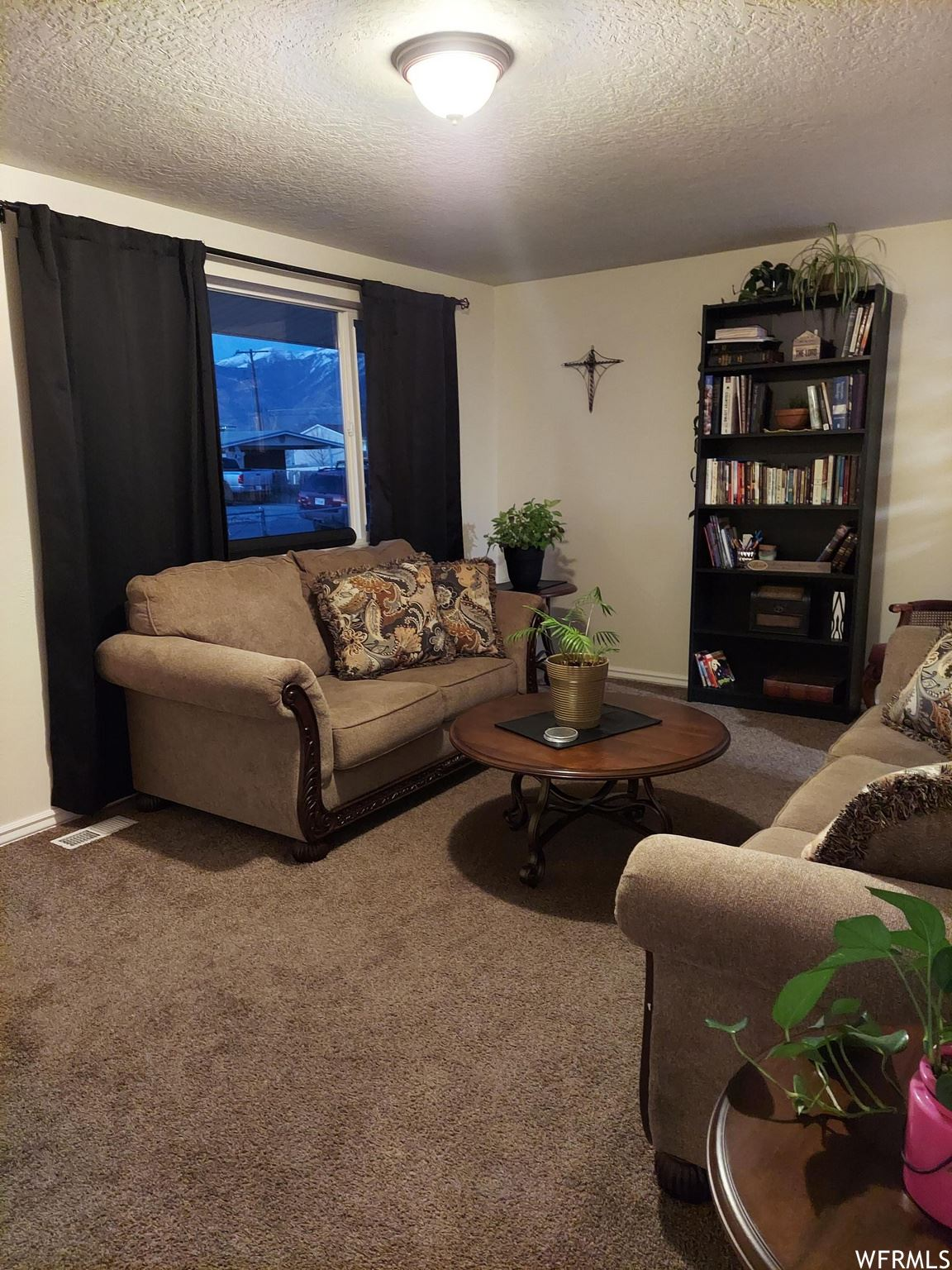 Photo of 334 E VALLEY VIEW DR, Tooele, UT 84074 (MLS # 1733389)