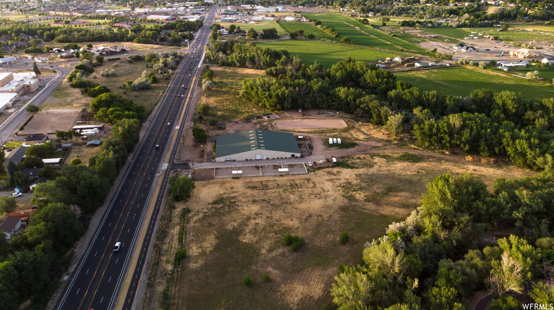 Photo of 1527 S MAIN ST, Spanish Fork, UT 84660 (MLS # 1684405)