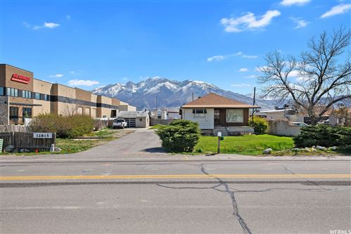 Photo of 12815 S MINUTEMAN DR, Draper, UT 84020 (MLS # 1717407)