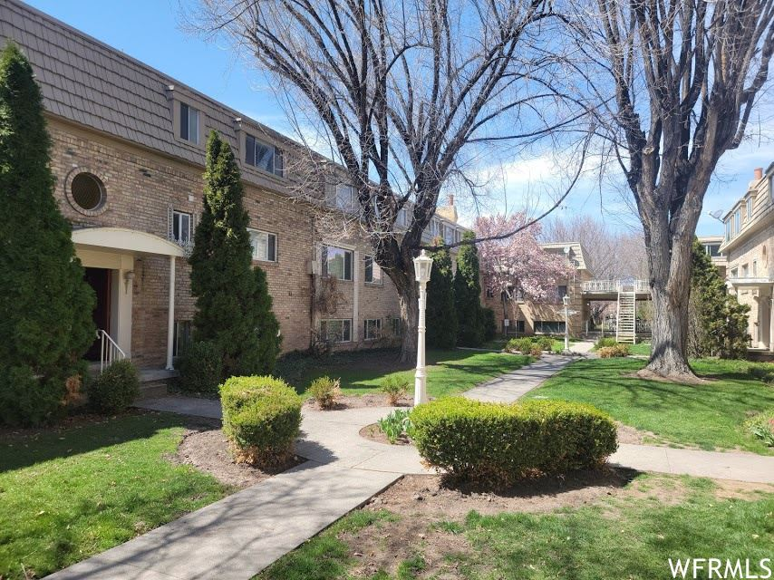 Photo of 2220 E MURRAY HOLLADAY S RD #147, Salt Lake City, UT 84117 (MLS # 1734413)