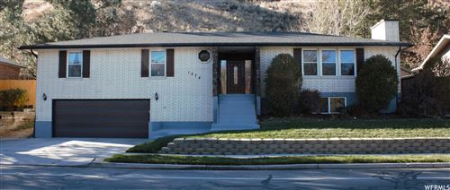 Photo of 1874 E VISCOUNTI S DR, Sandy, UT 84093 (MLS # 1720416)