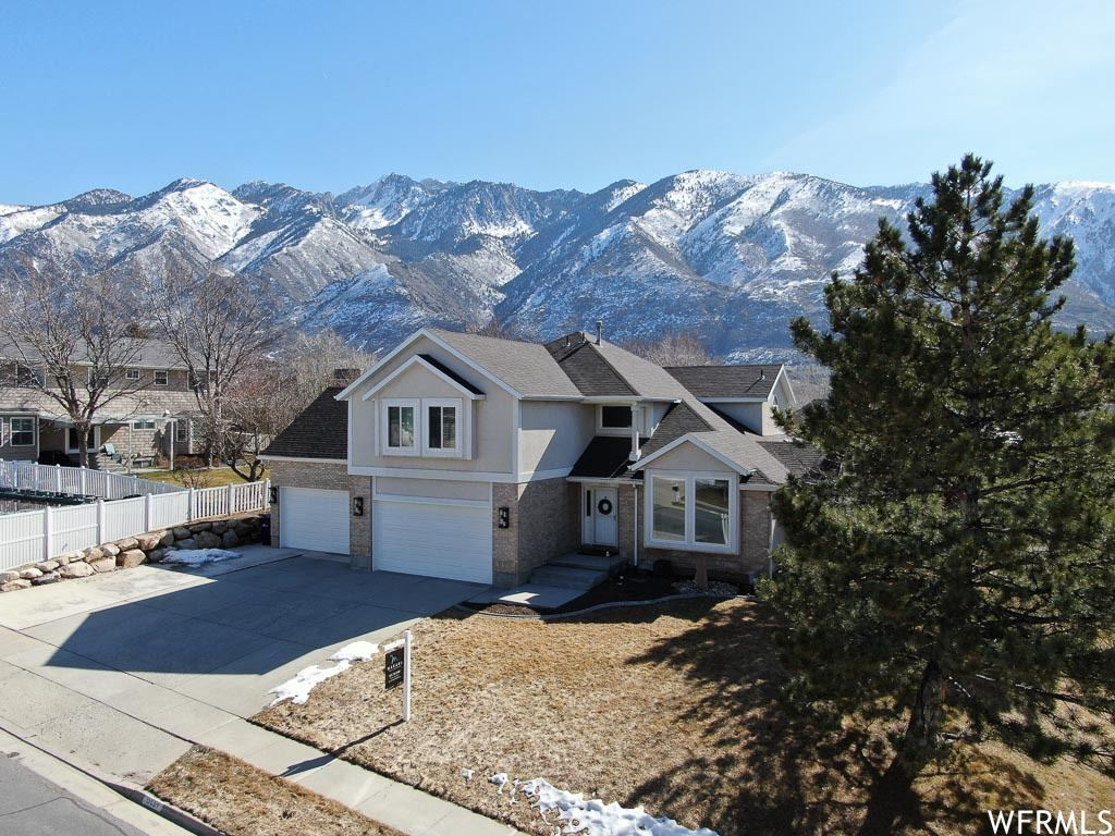 Photo of 11595 S HICKORY VALLEY DR, Sandy, UT 84092 (MLS # 1720440)