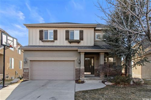 Photo of 10240 S EAGLE CLIFF WAY, Sandy, UT 84092 (MLS # 1727461)