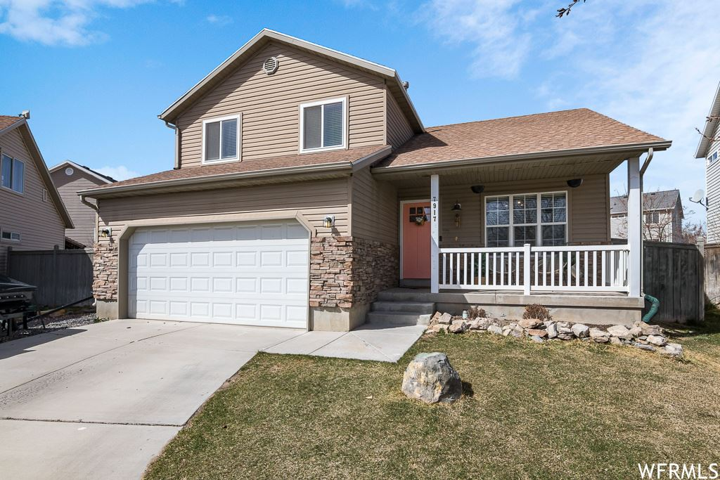 Photo of 7917 N APACHE LN, Eagle Mountain, UT 84005 (MLS # 1732485)