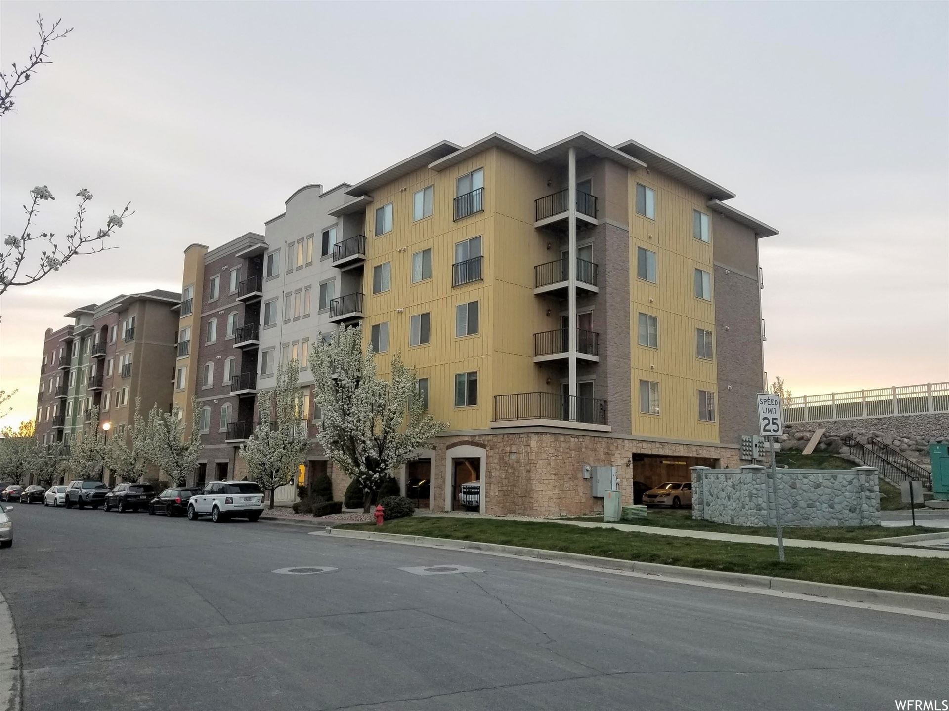 Photo of 165 W ALBION VILLAGE WAY S #306, Sandy, UT 84070 (MLS # 1734510)