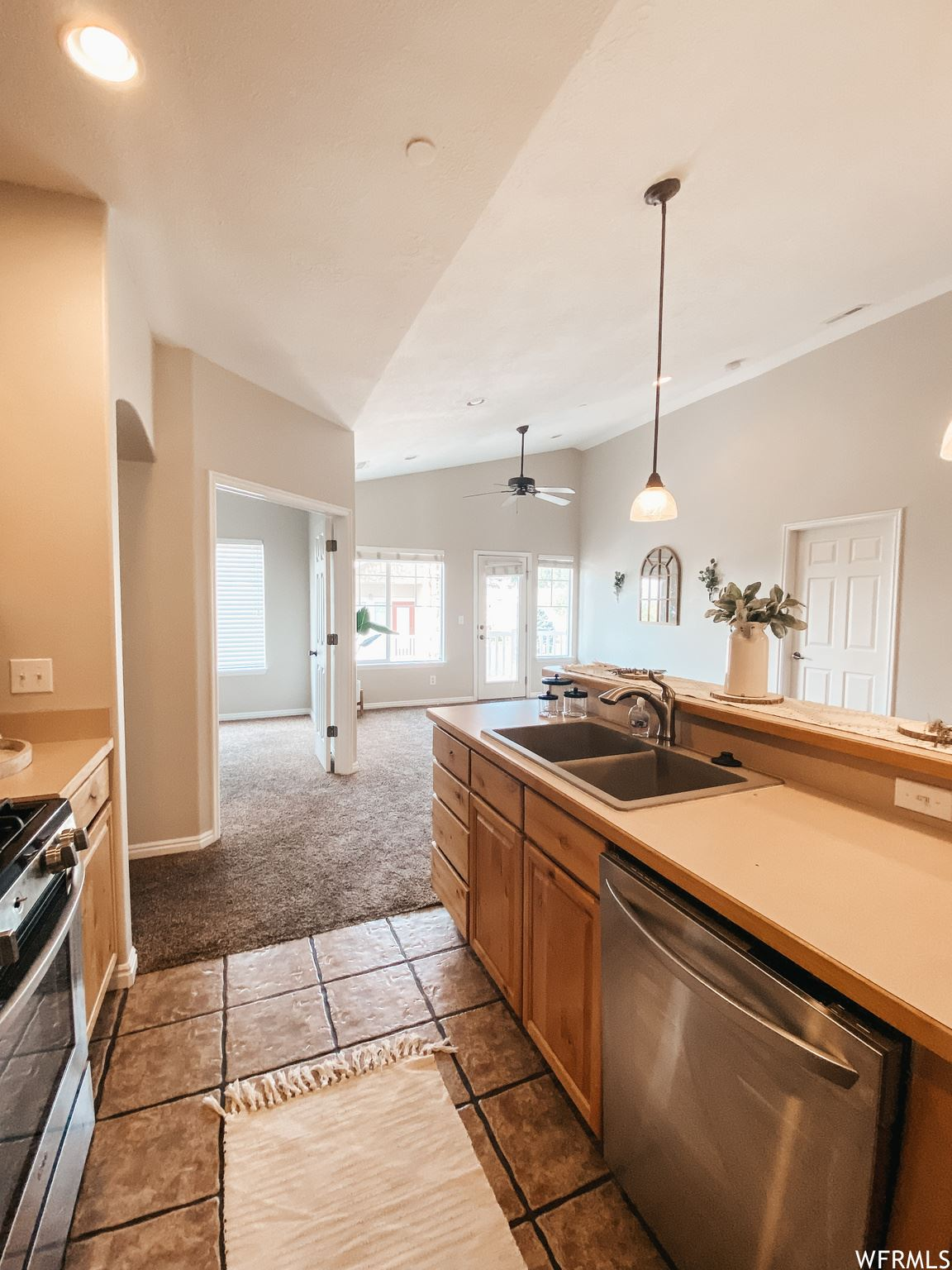 Photo of 1138 MEADOW FORK RD #6, Provo, UT 84606 (MLS # 1767585)