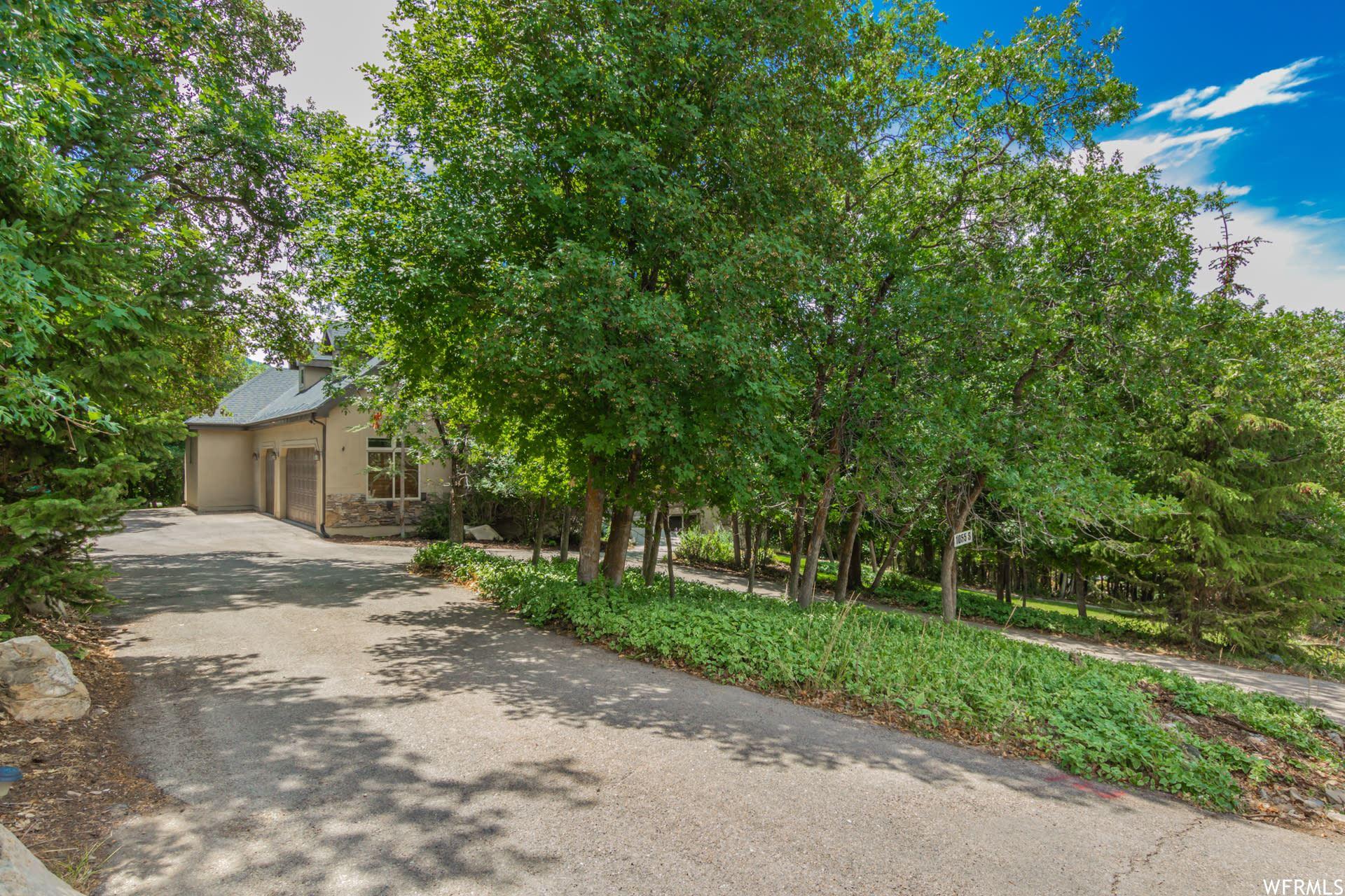 Photo of 1055 N EAGLE NEST DR, Woodland Hills, UT 84653 (MLS # 1766605)