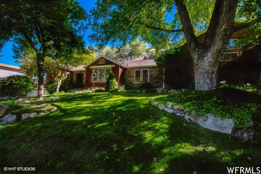 Photo of 5603 S INDIAN ROCK RD, Holladay, UT 84117 (MLS # 1770613)