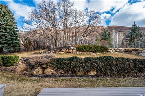 Photo of 12035 S BEAR HILLS DR, Draper, UT 84020 (MLS # 1724622)