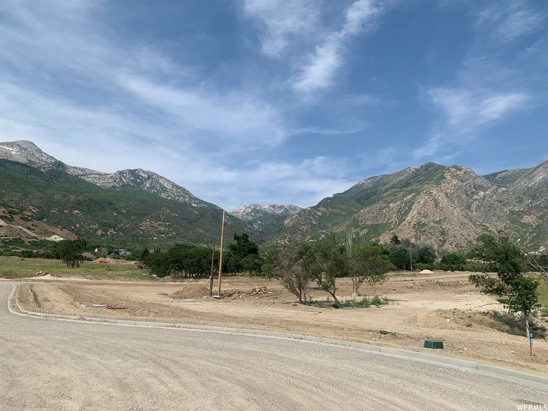 Photo of 1424 N ANNIE CIR #60, Alpine, UT 84004 (MLS # 1749628)