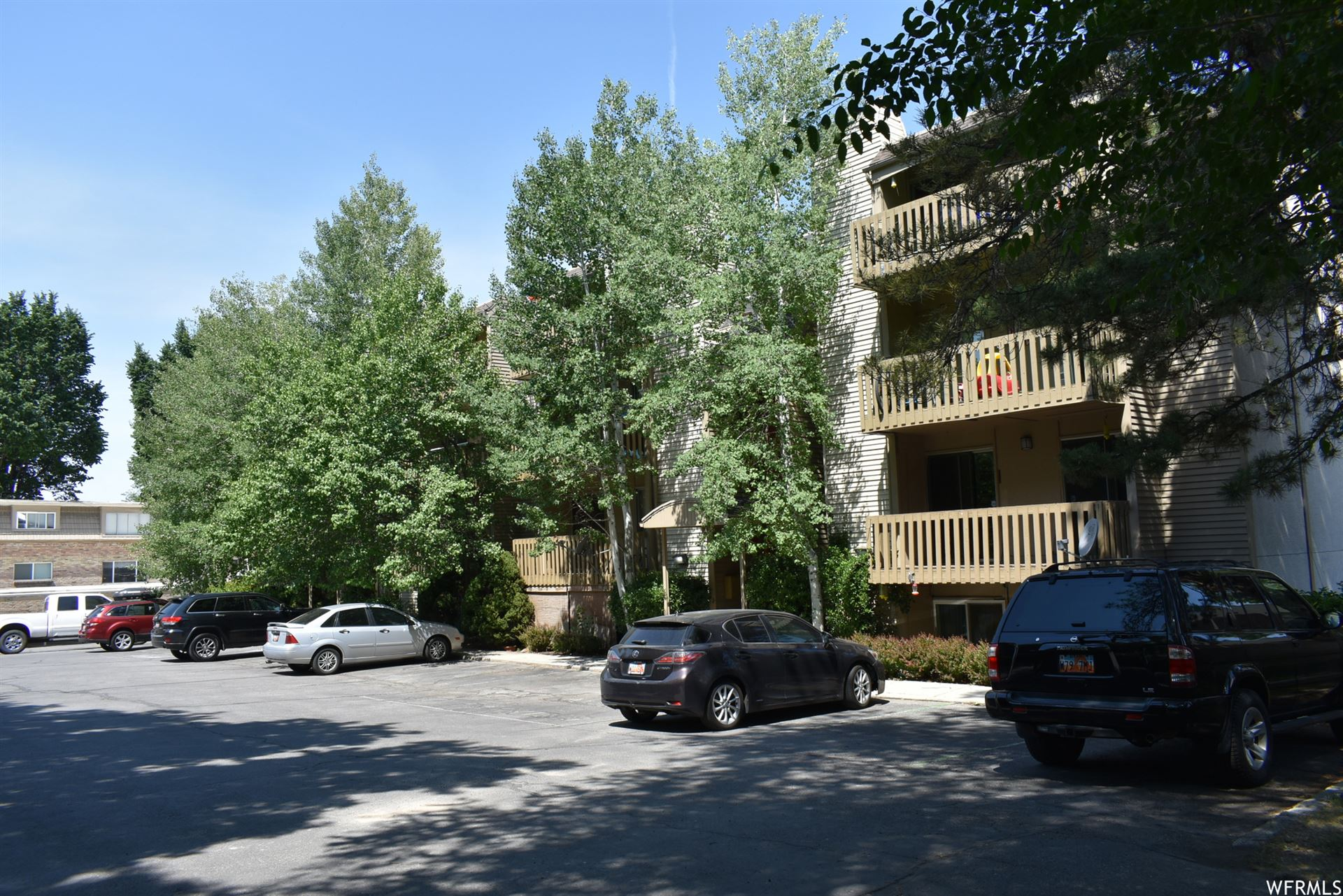 Photo of 2220 E MURRAY HOLLADAY S RD #421, Holladay, UT 84117 (MLS # 1749629)