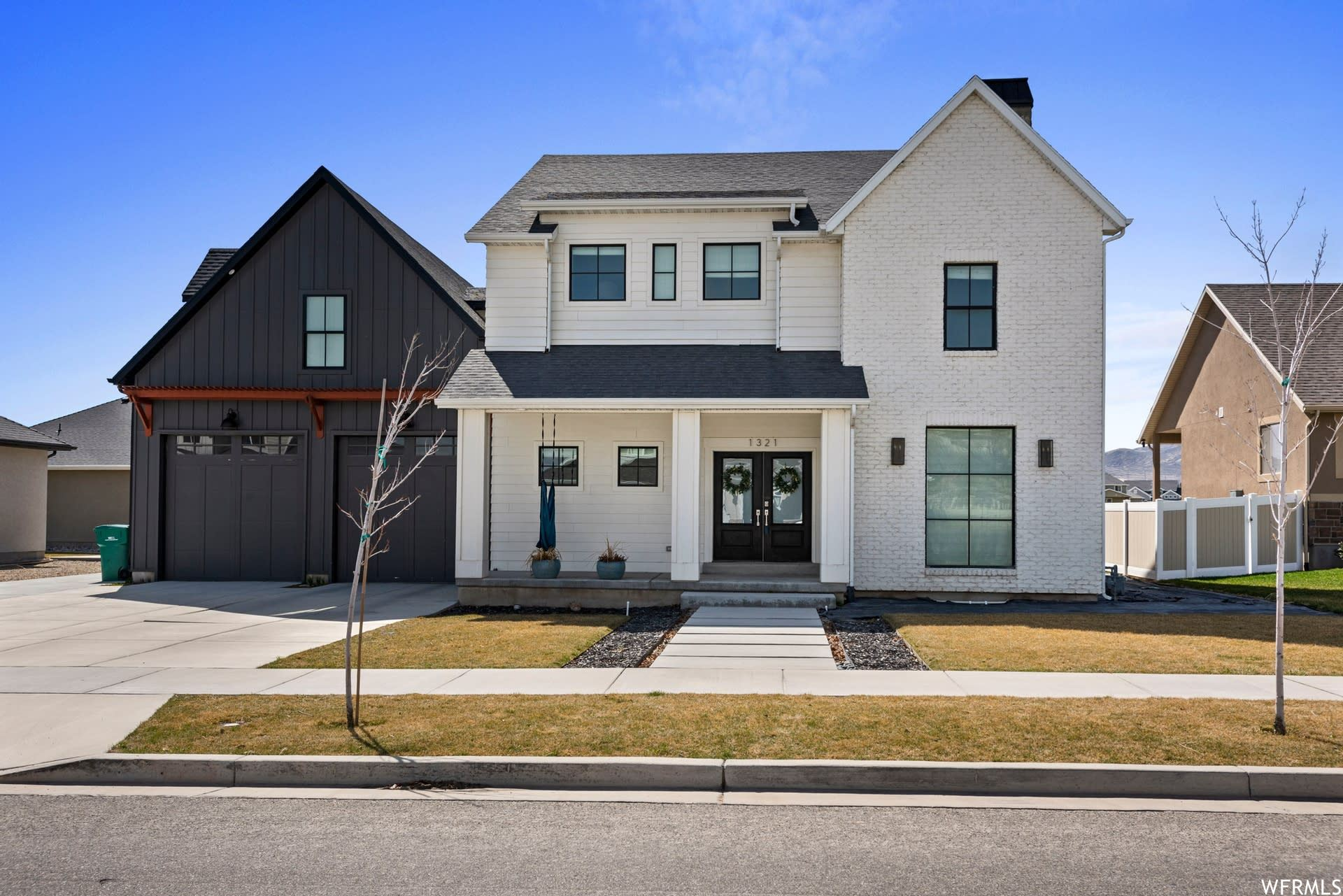 Photo of 1321 W BLUE QUILL DR, Bluffdale, UT 84065 (MLS # 1733638)