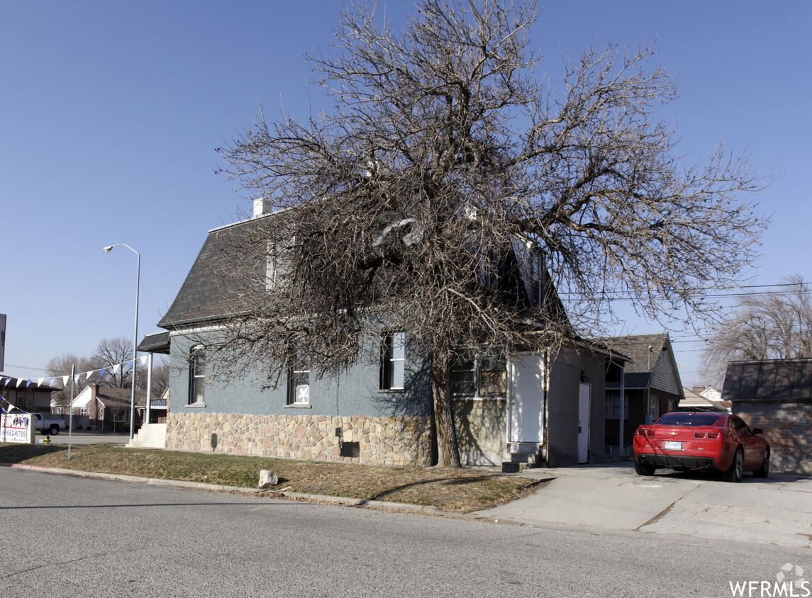 Photo of 1358 S WASHINGTON E BLVD, Ogden, UT 84404 (MLS # 1717641)