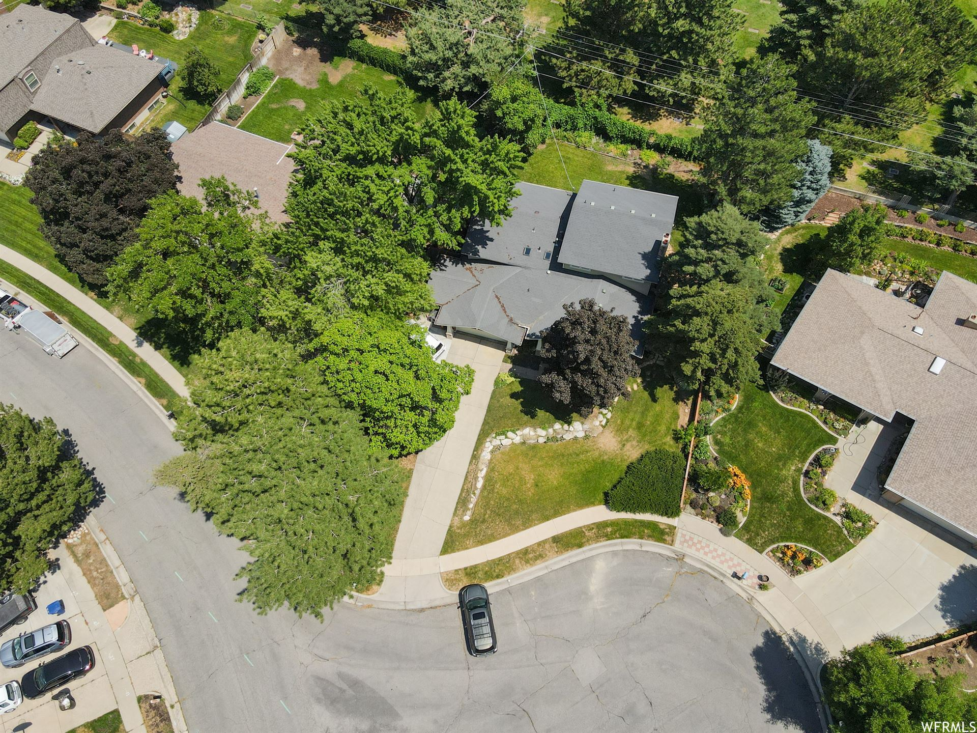 Photo of 7765 S SILVER LAKE DR, Cottonwood Heights, UT 84121 (MLS # 1757643)