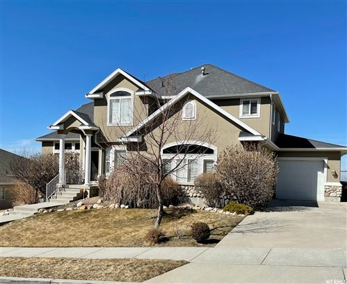 Photo of 535 E ROCKY KNOLL S LN, Draper, UT 84020 (MLS # 1727645)