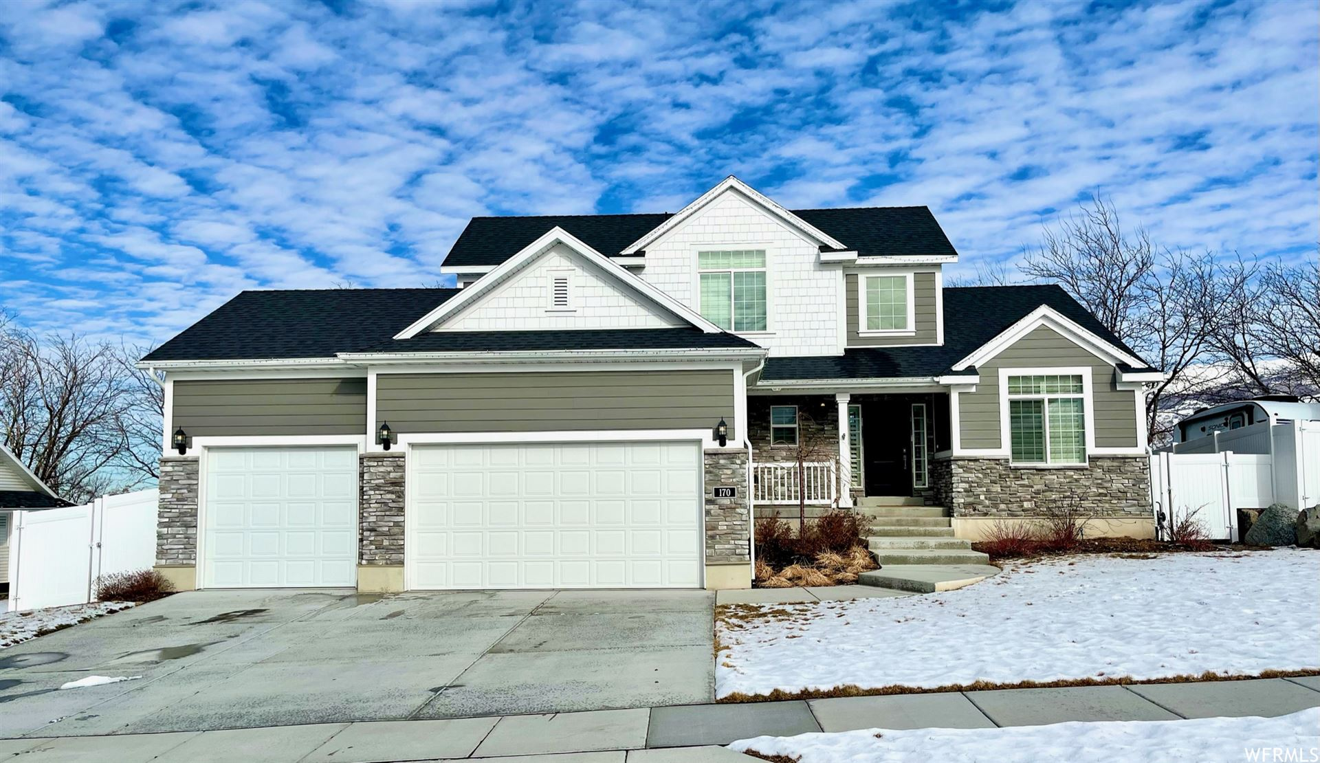 Photo of 170 W 2330 S, Bountiful, UT 84010 (MLS # 1723685)