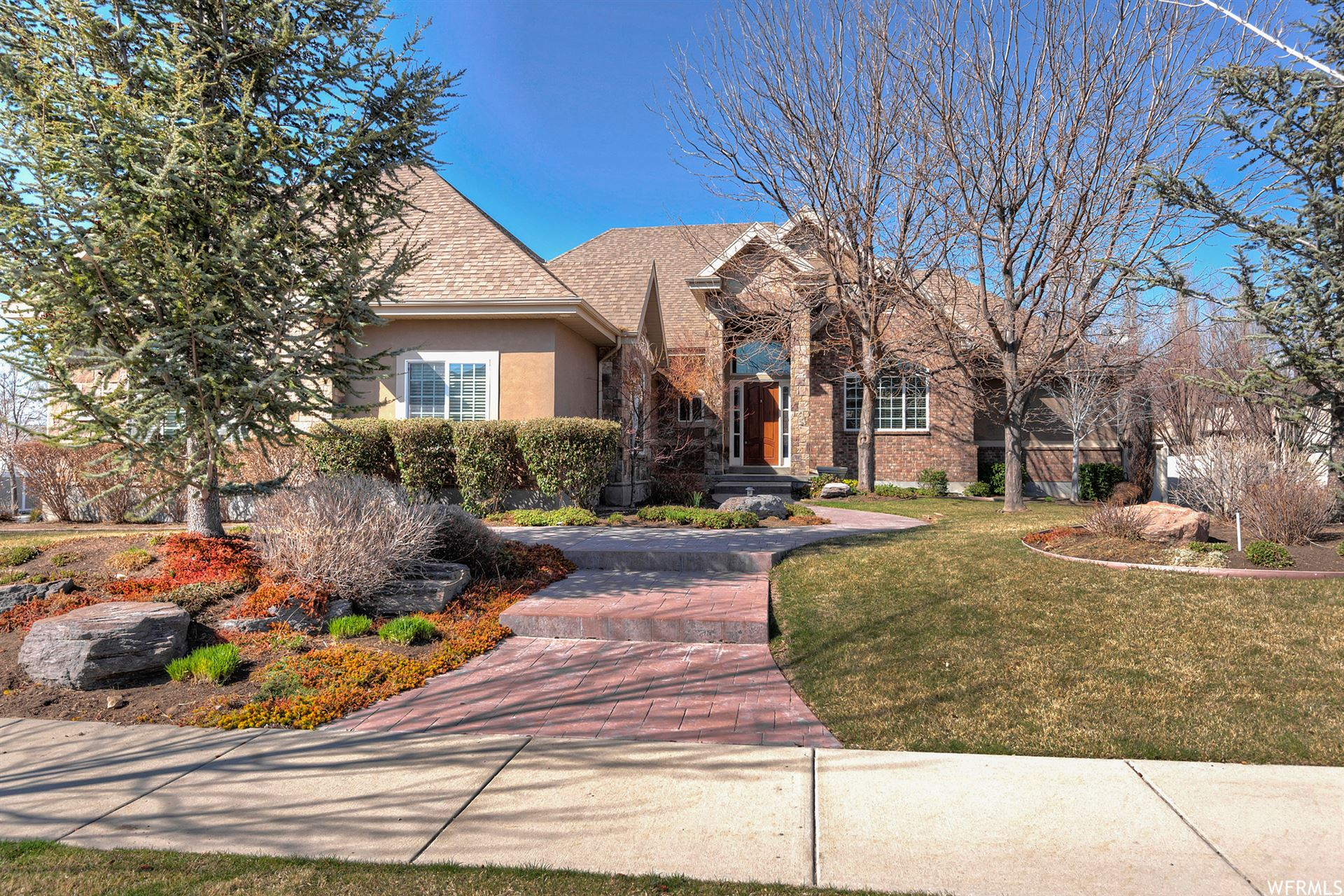 Photo of 1167 CABOT LN, Draper, UT 84020 (MLS # 1732720)
