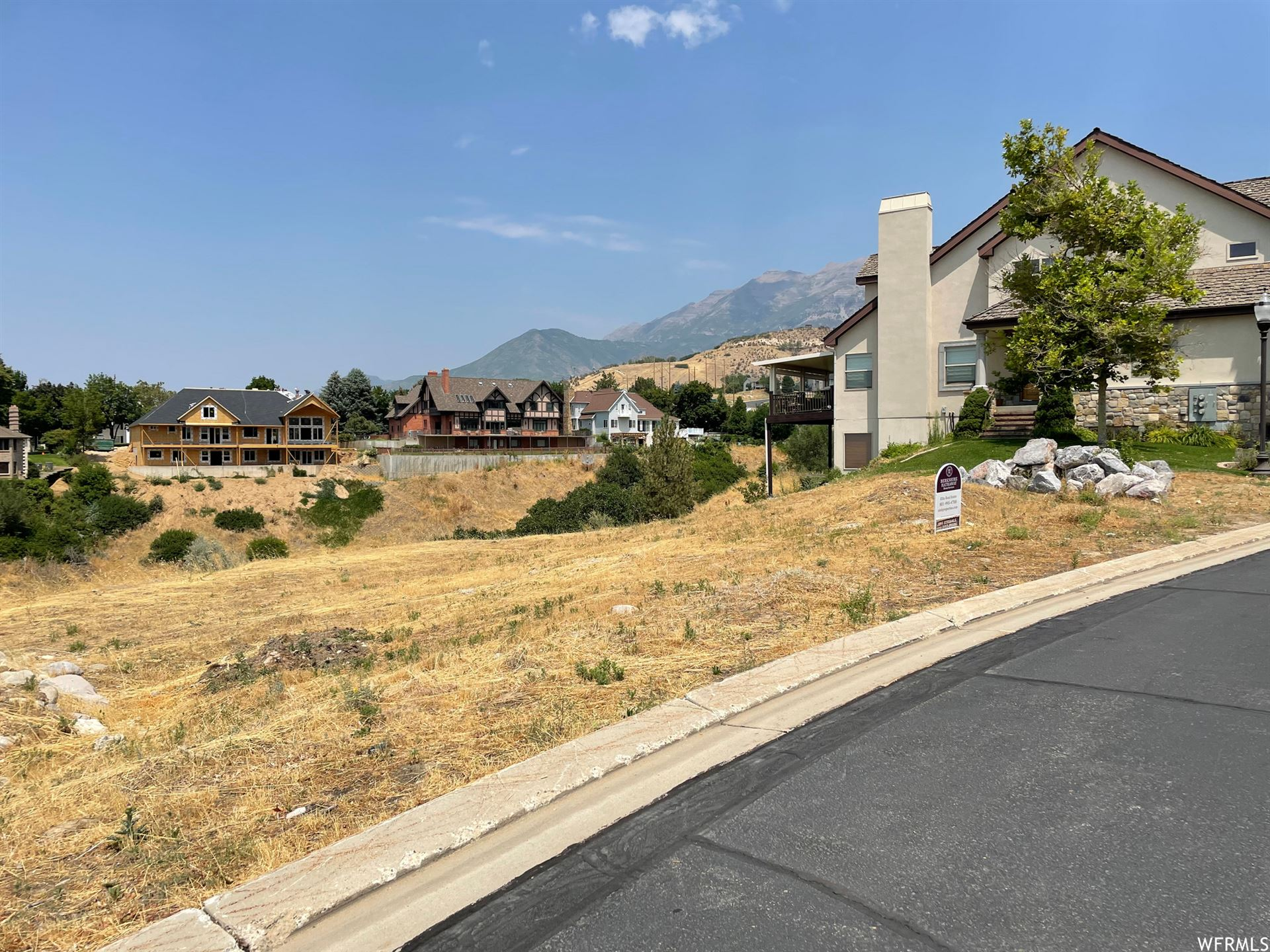 Photo of 987 E WATERFORD DR #5&6, Provo, UT 84604 (MLS # 1757735)
