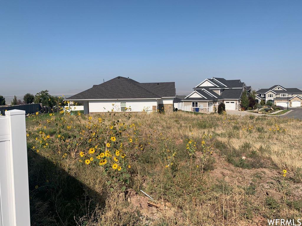 Photo of 928 S PACE PL, North Salt Lake, UT 84054 (MLS # 1769739)