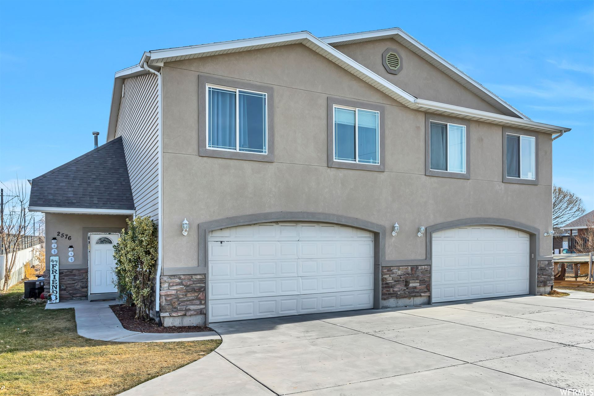 Photo of 2574 W ROBIN RD, West Valley City, UT 84119 (MLS # 1718748)